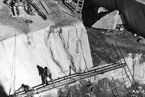 foto storica cava marmo palissandro